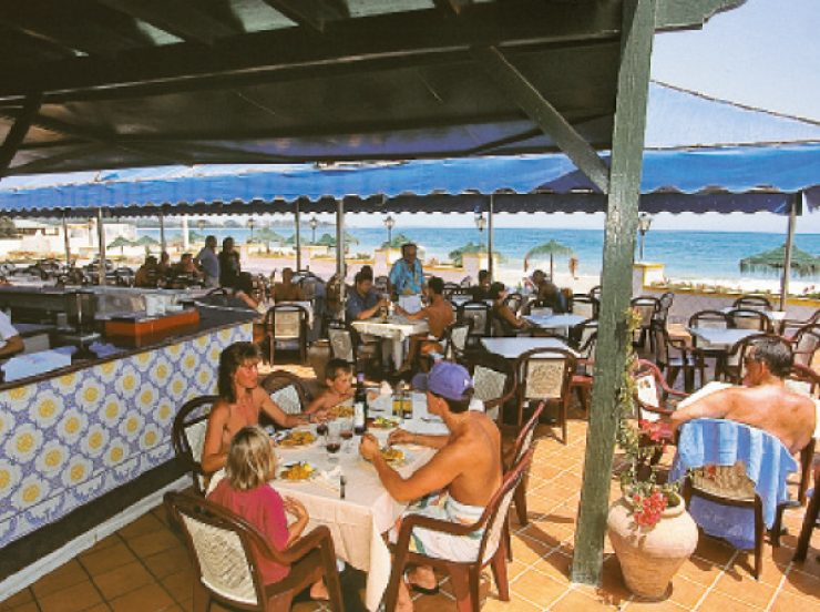 FKK Single Reise ins Hotel Vera Playa Club Vera Spanien - Terrasse des Restaurants